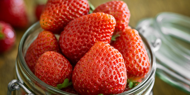 Strawberries vitamin c nutrition